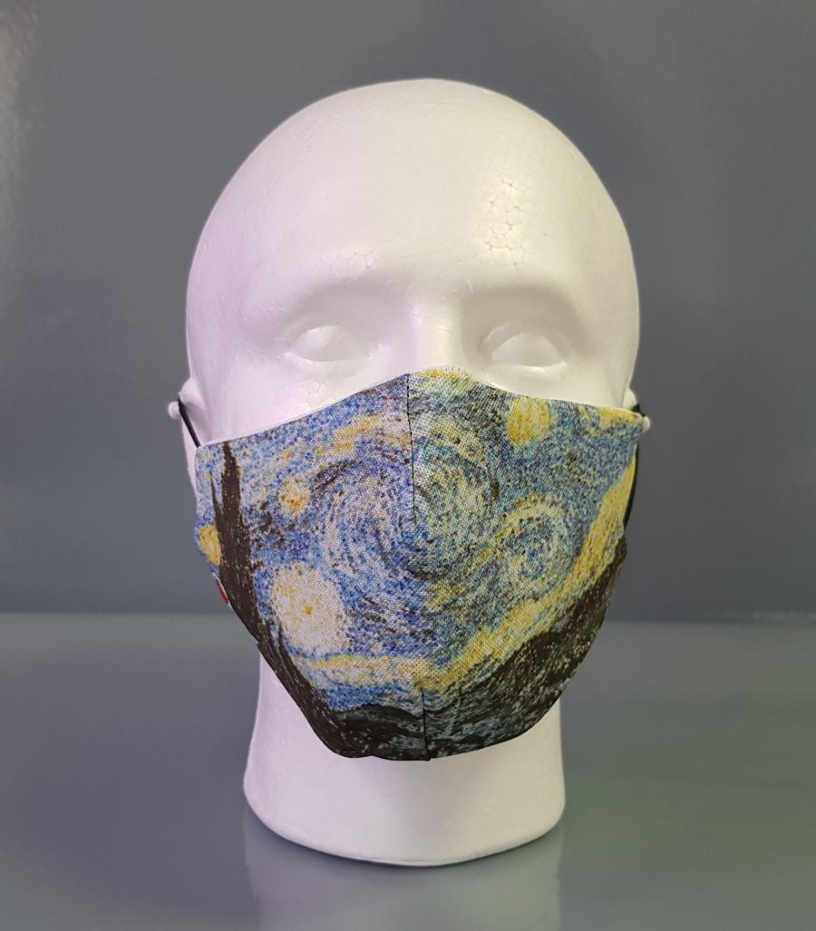 Mascarilla con diseño del cuadro de La Noche Estrellada de Van Gogh