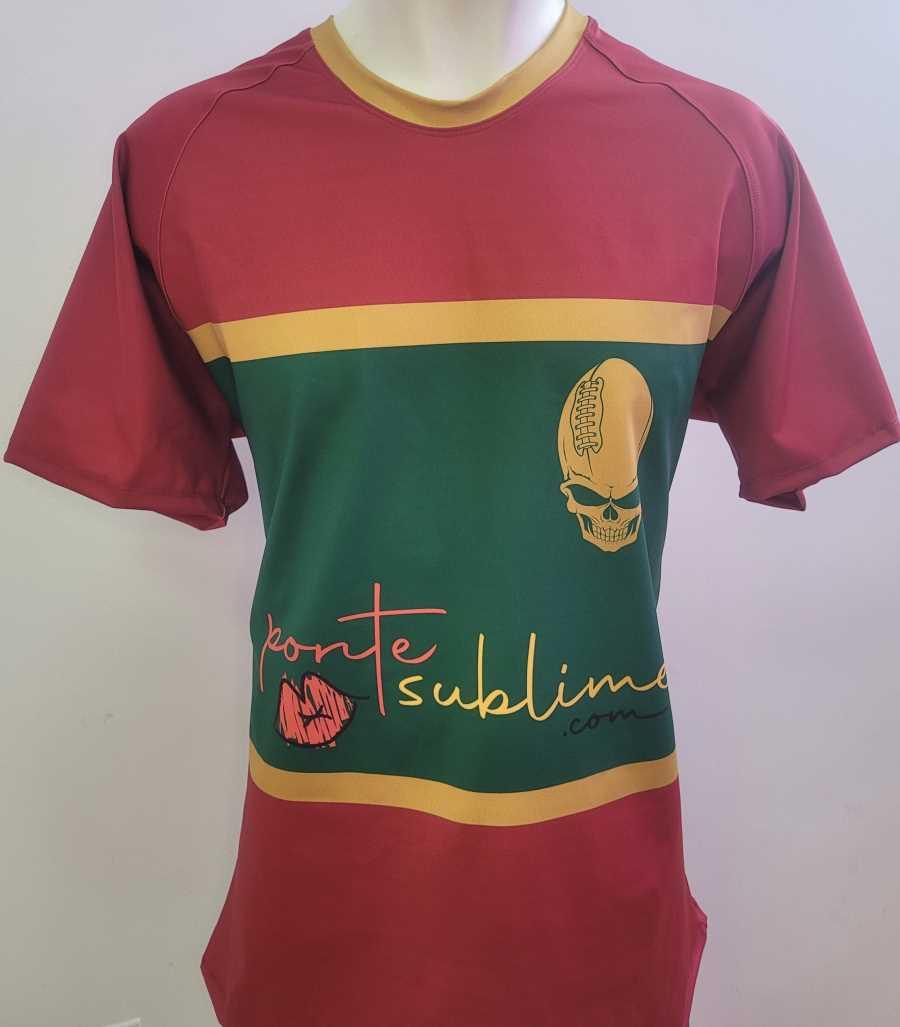 Camiseta de rugby en colores granate y verde
